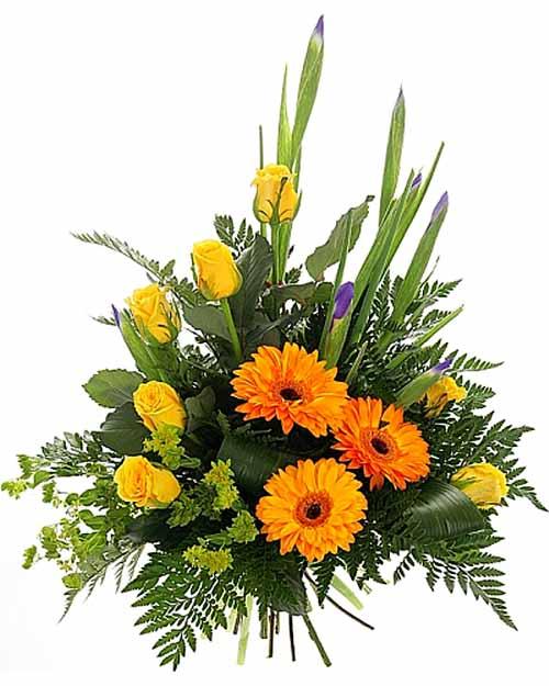Букет из розы, герберы и хризантемы